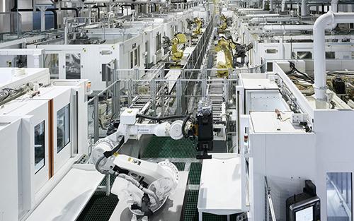赋能制造业转型升级,大力促进工业互联网的应用
